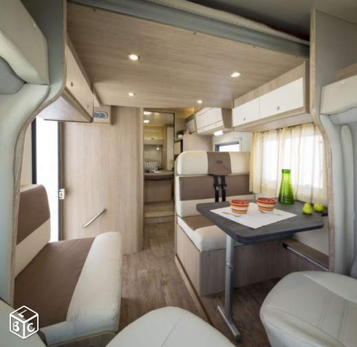 camping-car PLA MISTER CAMPER 390  intérieur  / coin cuisine